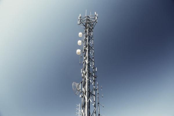格安SIMの電波の種類 ドコモ au
