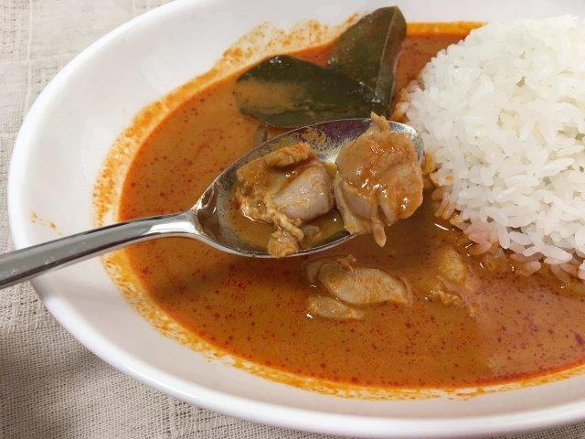 ヤマモリ タイカレー レッド 鶏肉